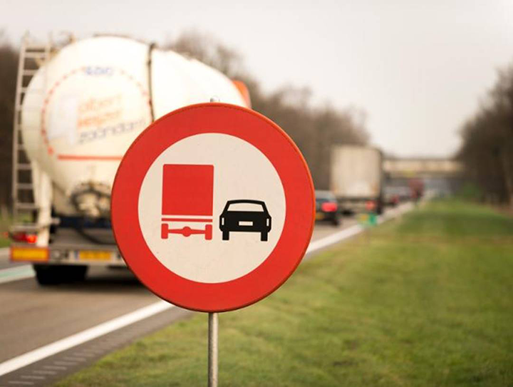 The Netherlands creates a digital overview of all national road signs